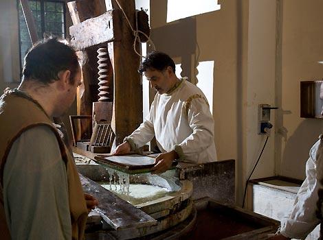 La produzione della carta al tino